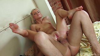 Blonde whore works magic relating to say no to very tight exasperation