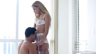 Alluring handsomeness fro nice bubble ass Aspen Celeste solely loves sensual morning intercourse