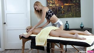 A hot MILF experiences an nympholeptic massage and that sex-mad woman is so adorable