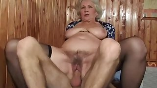 Matured bush - busty grandma with soft pussy in amateur hardcore with cumshot